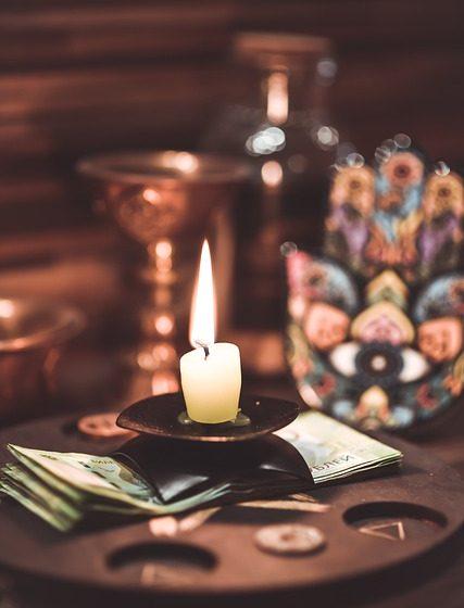 Rituales de magia blanca: Cómo consagrar y purificar las velas